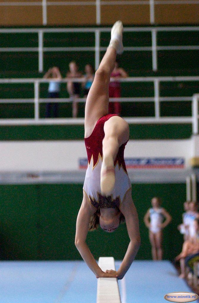 Красивые голые гимнастики кто-то